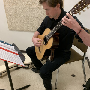 Davidson Guitar - Classical Guitarist in Louisville, Kentucky