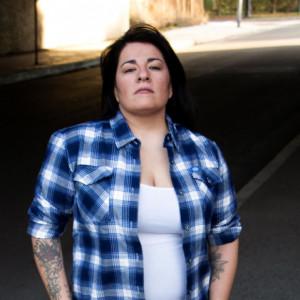 Desiree Jones - Singing Guitarist / Soul Singer in Northridge, California