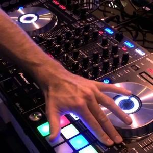 Dj Candia - Mobile DJ / Cumbia Music in Clarksville, Tennessee
