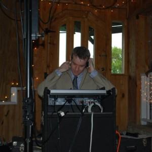 DJ Dail Holderness - Wedding DJ in Raleigh, North Carolina