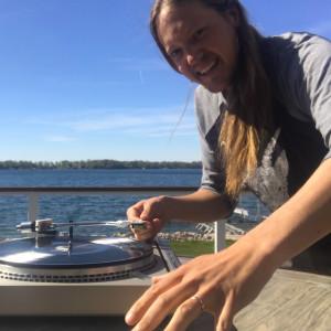 DJ Ryan De La Rosa - Wedding DJ in Frazee, Minnesota