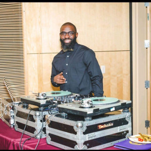 Dj Sam - Mobile DJ / Wedding DJ in Nashville, Tennessee