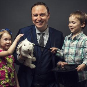 Donovan Day Magician - Comedy Magician in Edmonton, Alberta
