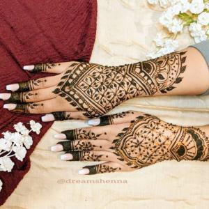 DreamsHenna - Henna Tattoo Artist in Scarborough, Ontario
