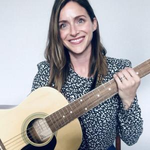 Elizabeth Luppino, vocalist - Singing Guitarist in Colorado Springs, Colorado