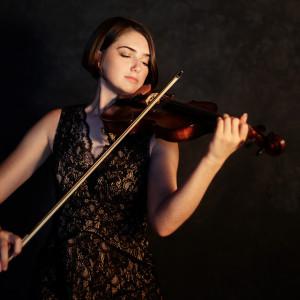 Ellie Lutterman Violin - Violinist / Strolling Violinist in Racine, Wisconsin