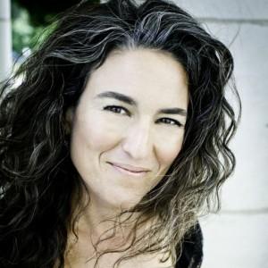 Erica Sodos - Corporate Magician in Denver, Colorado