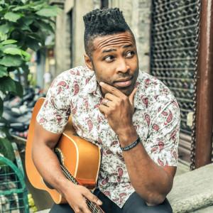 Erskin - Singing Guitarist in Nashville, Tennessee