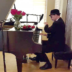 Evan Holiday - Singing Pianist in San Clemente, California