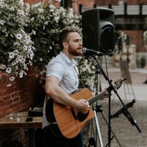 Gareth Bush Music - Singing Guitarist in Toronto, Ontario