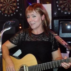 Gina Lee - One Man Band in Duluth, Minnesota