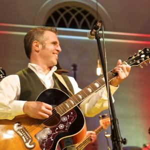 Guy Tino - Singing Guitarist / Guitarist in Brookfield, Connecticut