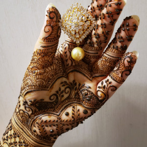 Hamnah N. The Henna Artist - Henna Tattoo Artist in Pickering, Ontario