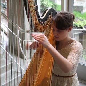 Harpist Naomi Maxwell - Harpist in Tacoma, Washington