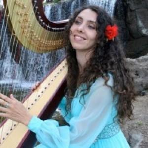 Harpist Tatyana - Harpist / Celtic Music in Haiku, Hawaii