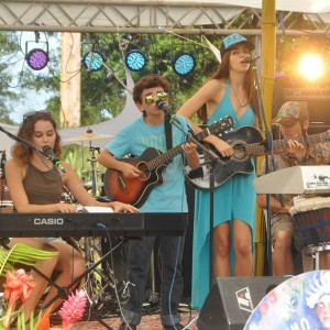 Havaiia - Acoustic Band in Cardiff By The Sea, California