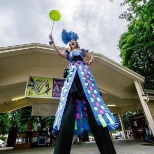 Heather Pearl - Stilt Walker / Acrobat in Portland, Oregon