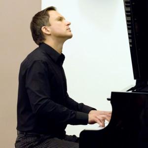 Sergei Novikov High End Private Entertainment - Pianist in Boston, Massachusetts