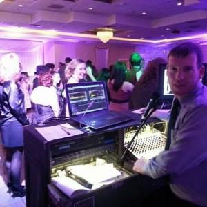 Hot Tracks Dj Service - Mobile DJ / Karaoke DJ in Cary, Illinois