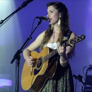 Jessica Allossery - Singing Guitarist / Variety Entertainer in Seattle, Washington