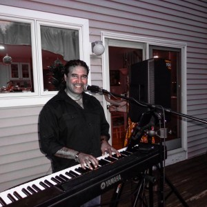 Ishmael - One Man Band / Singing Pianist in New London, Connecticut
