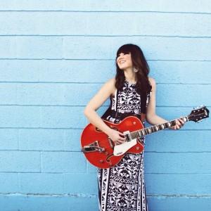 Janelle Loes - Singing Guitarist in Phoenix, Arizona