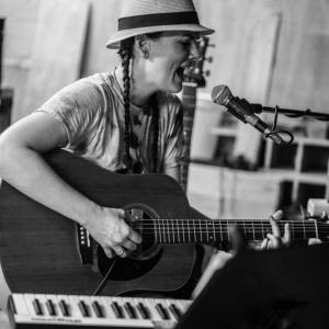 Jessamyn Orchard - Singing Guitarist in Springfield, Missouri