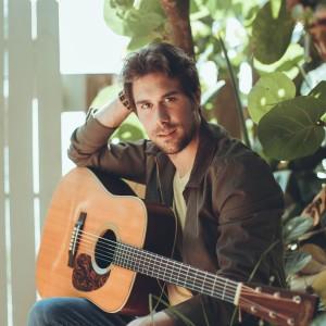 Jonnie Morgan - Singing Guitarist in Orlando, Florida