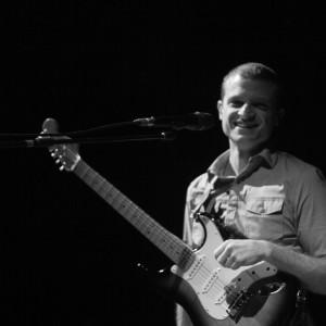 Josan Scudellari Live Music - Singing Guitarist in Houston, Texas