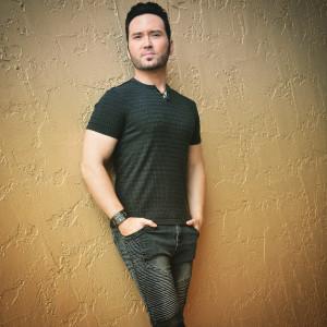 Joshua Looman - Singing Guitarist in Spring Hill, Florida