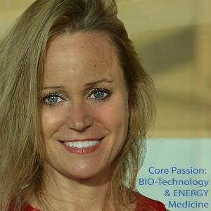 Julie Danette - Motivational Speaker / Mobile Game Activities in Newport Beach, California