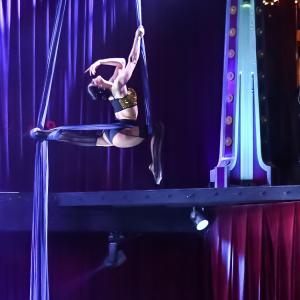 Julie Istvan - Circus Entertainment in Leavenworth, Washington