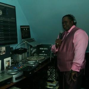 Just me HWO NYC  Hottest No/1Mc/Dj Mr.Bake - Club DJ in Bronx, New York