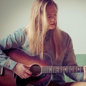 Keiffer Mclean - Singing Guitarist / Acoustic Band in Regina, Saskatchewan