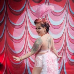Kiki Quinn - Burlesque Entertainment in Edmonton, Alberta