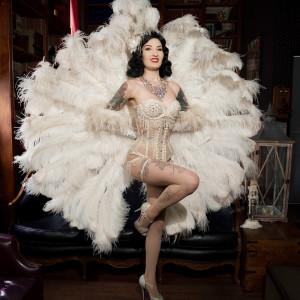 Kissa Von Addams - Burlesque Entertainment / Bartender in Orlando, Florida