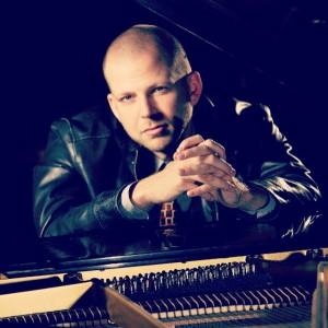 Kit Taylor - Piano & DJ - Pianist in Portland, Oregon