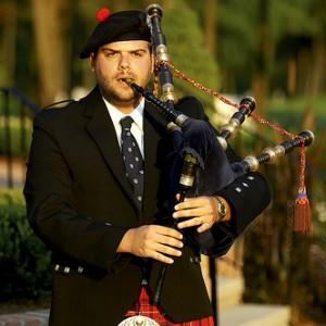 Kris Hunt - Professional Highland Bagpipes