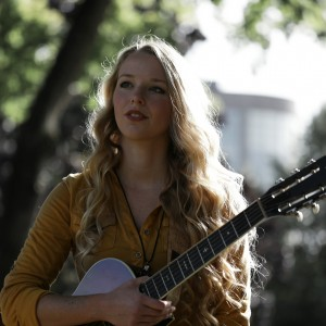 Laura May - Singing Guitarist in Portland, Oregon