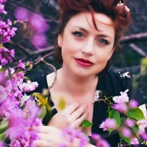 Laura Whidden - Singing Pianist in Kettering, Ohio