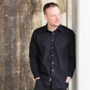 Leroy Winn - Singing Guitarist in Aurora, Illinois