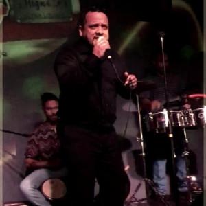 Leyo Ramos con Elocuencia9 - Salsa Band in Orlando, Florida