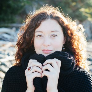 Lindsay May - Singing Guitarist in Kelowna, British Columbia