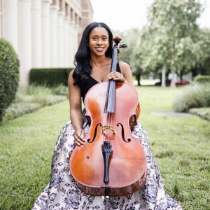 Lindsey Sharpe - Cellist in Chicago, Illinois