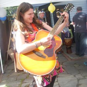 Loretta Allen - Singing Guitarist in Marlton, New Jersey