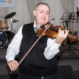 Love Whispers - Violinist / Strolling Violinist in Toronto, Ontario