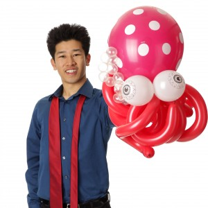 Magician & Balloon Twister-Perry Yan - Magician / Comedy Magician in San Francisco, California