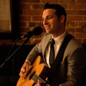Matt Commerce - Singing Guitarist / Singing Telegram in Laguna Beach, California