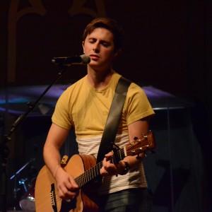 Matt Railsback - Singing Guitarist / Acoustic Band in Richmond, Indiana