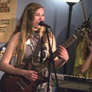 Megan Steinke - Singing Guitarist in Morro Bay, California